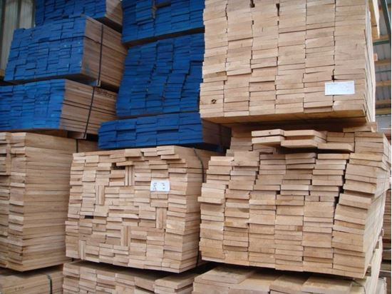 Kiln Dried Oak Strips in a variety of widths. Available for Venables Brothers Ltd.